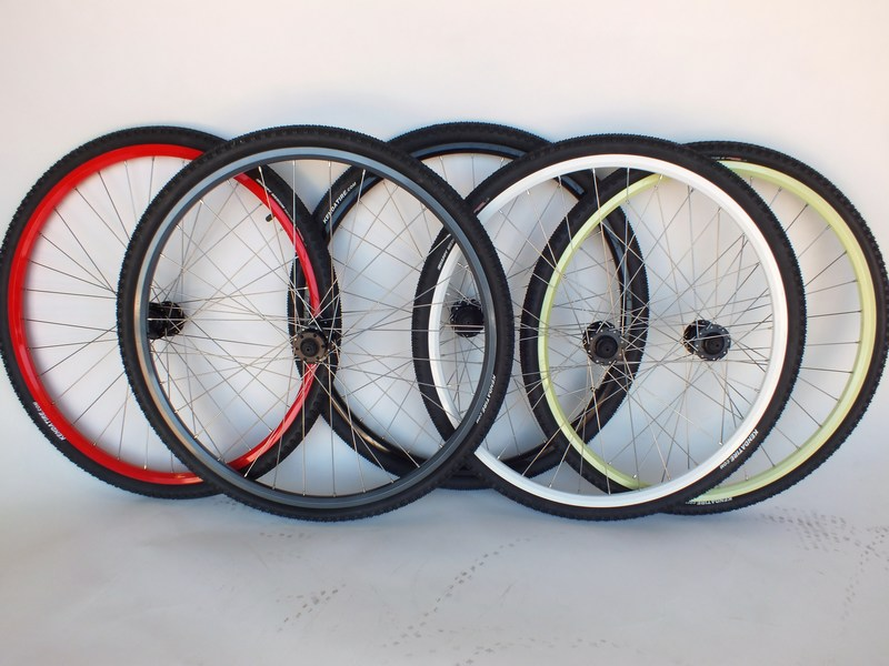 Bikes 29er/700c Double Wall Disc Wheel Set With 700x40c Kenda Tires Image