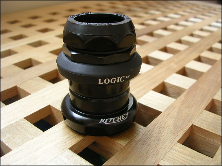 Parts Ritchey Logic 1-1/8'' threaded Black headset Image