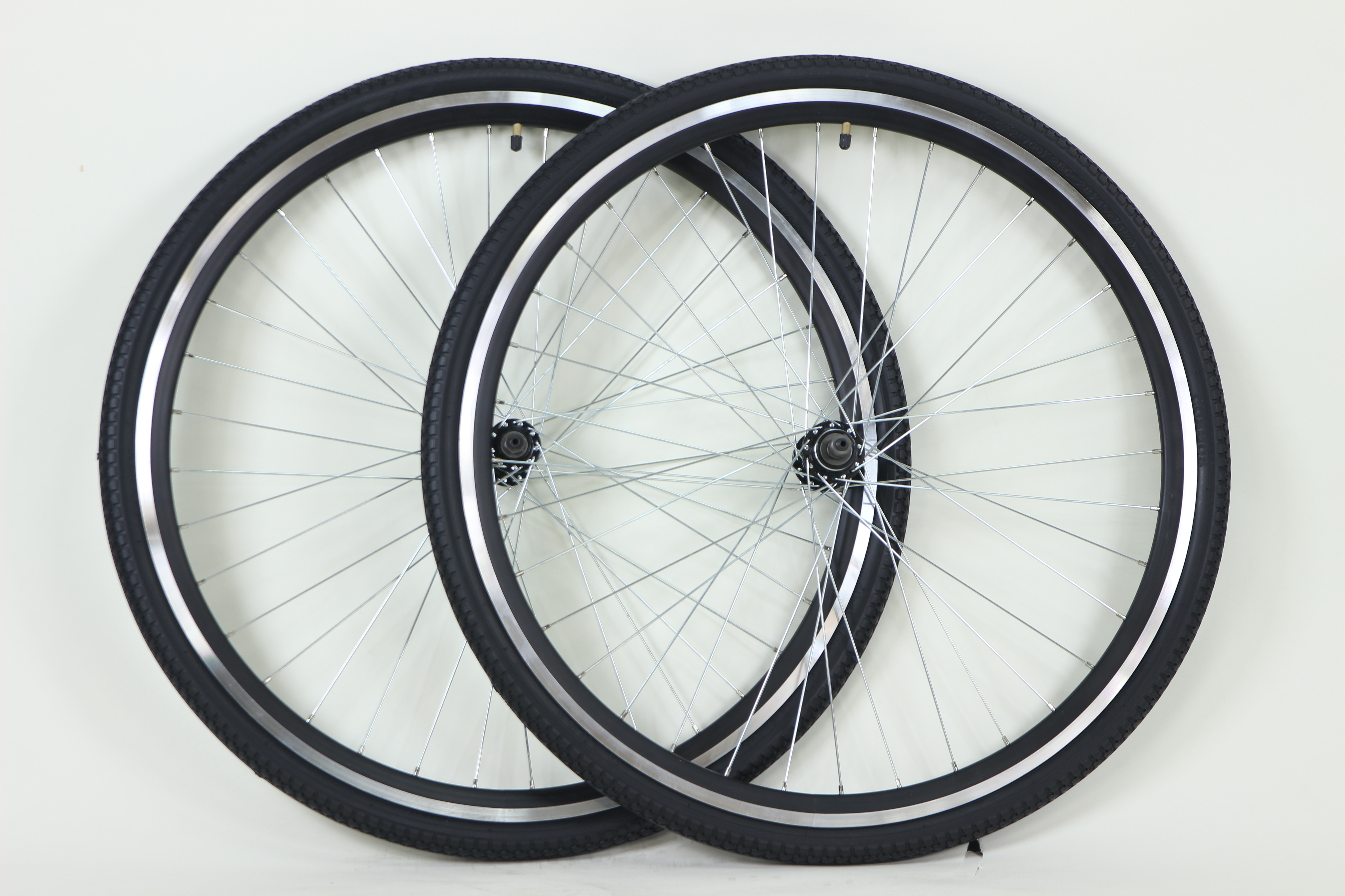 Wheels 700c Aluminum Alloy Hybrid Wheels for Thread On Freewheel Multi Speed with Kenda Tires Image