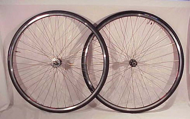 Wheels Track / Fixed Gear Black With Tires Image